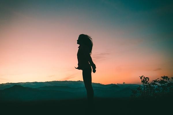 精神的にきつい時の心の休ませて前向きになる心理学